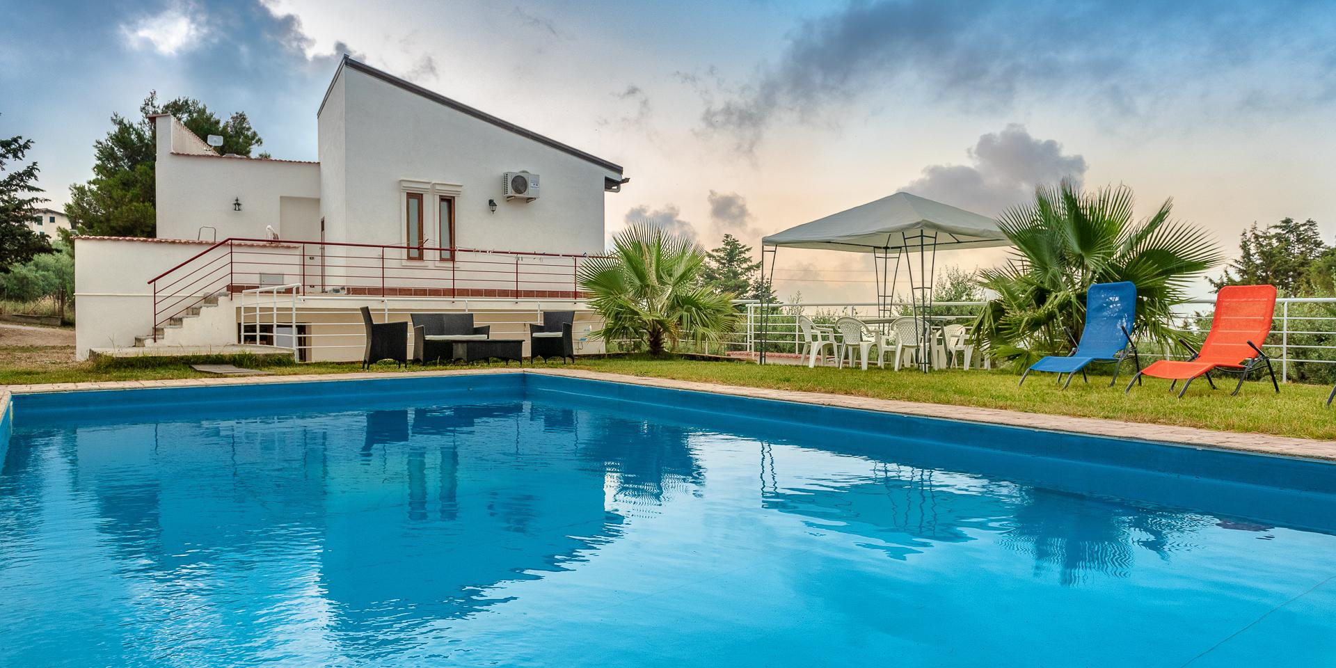 Villa Achille with pool